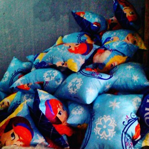 Bantal Silikon Frozen