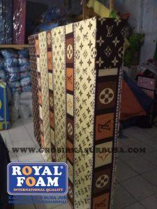 Kasur Busa Royal Ukuran 120x200x20 Motif LV Coklat